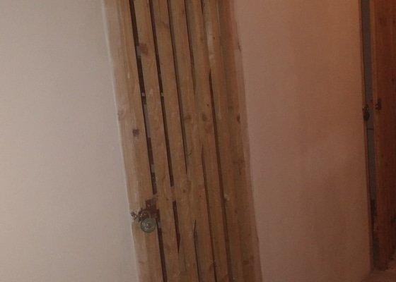 Dveře do sklepní kóje