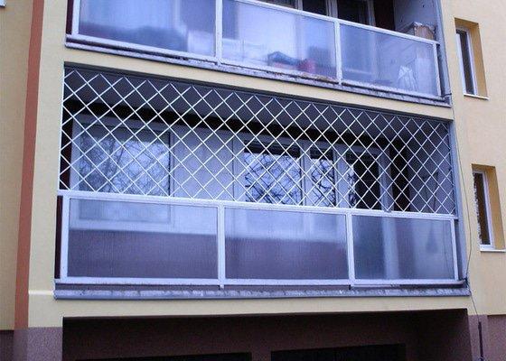 Mříže na balkon