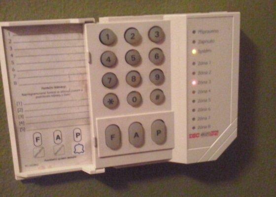 Oprava domovního alarmu