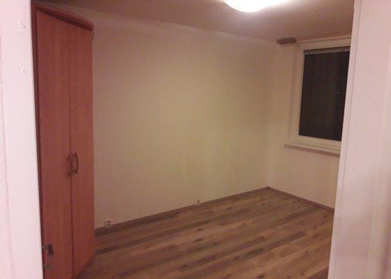 Rekonstrukce 3 místností v bytě, nová podlaha, výmalba a další