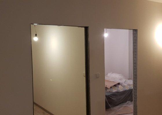 Řemeslné práce v panelovém bytě, dispoziční změna z 1+kk na 3+kk