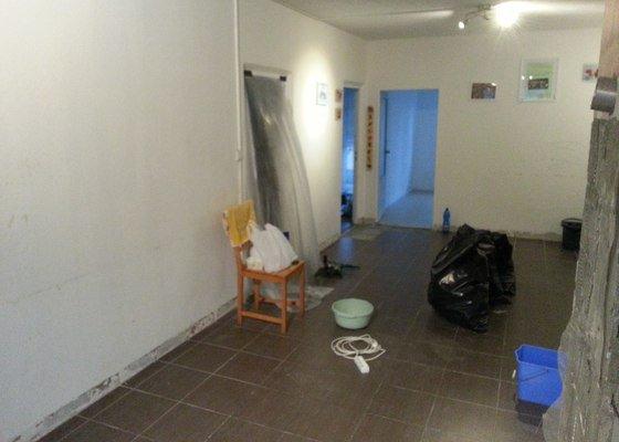 Příprava podlahy a pokládka PVC 60m2 ve Strašicích