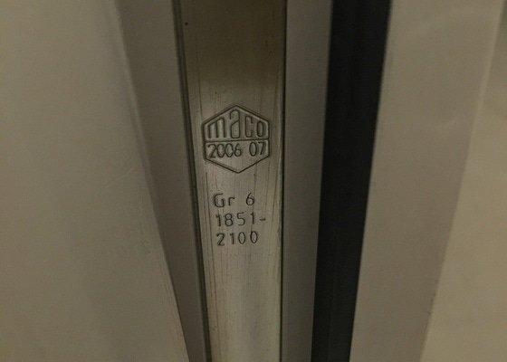 Výměna klikového mechanismu u prosklených dveří na terasu, výklopno-posuvné dveře