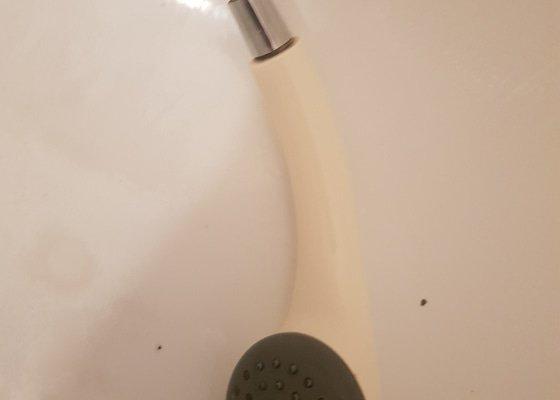 Oprava nebo vymena sprchove hadice