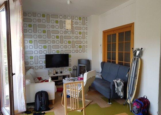 Vymalování obývacího pokoje s kuchyňským koutem