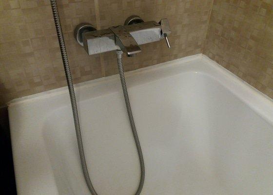 Oprava vany - výměna silikonu