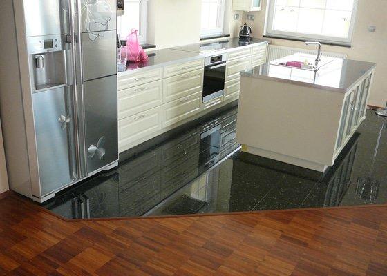 Nové podlahy v RD