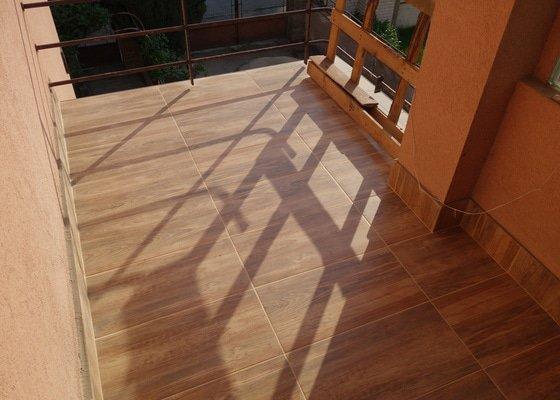 Pokládka dlažby na balkón