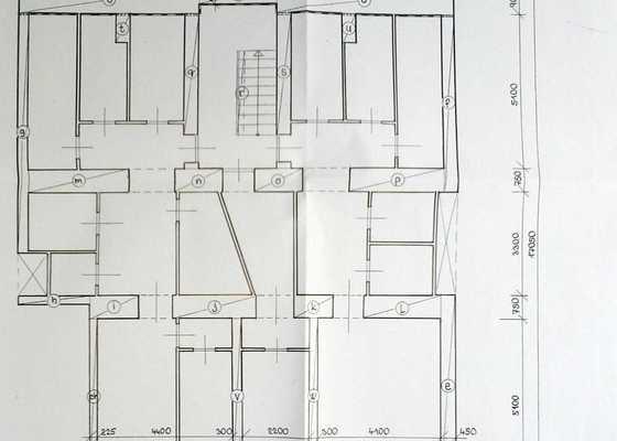 Natření epoxidovým nátěrem podlahy ve sklepě BD
