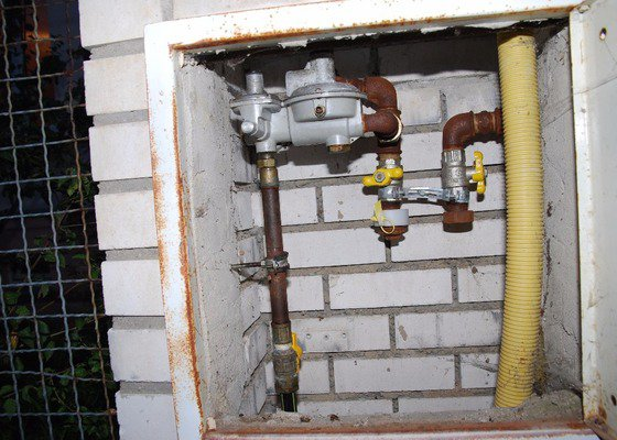 Výměna regulátoru u přípojky plynu