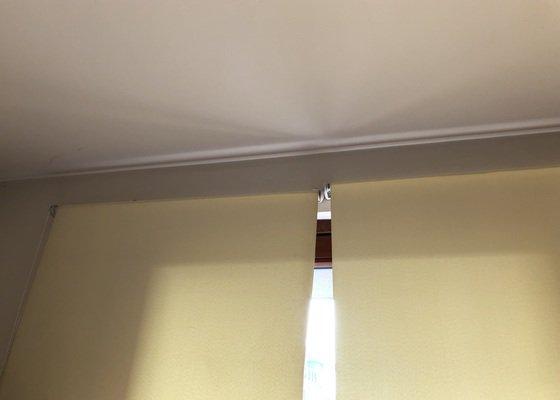 Garnýže na zeď