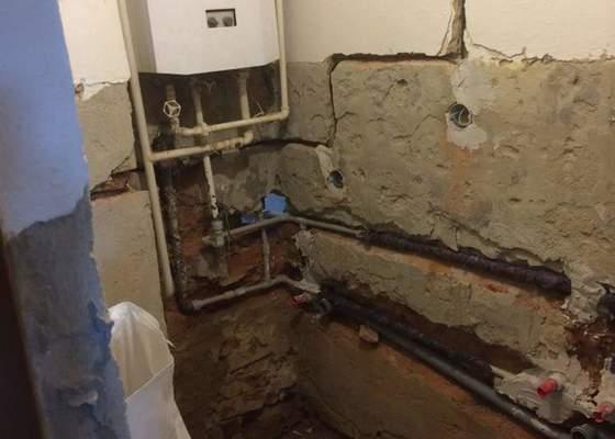 Rekonstrukce koupelny, výměna vany za sprchový kout