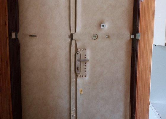 Čalounění vstupních dveří