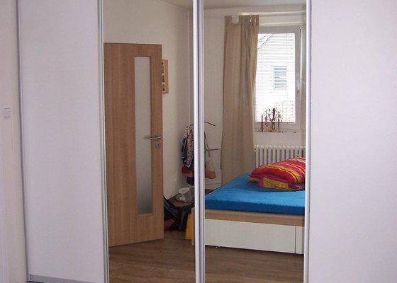 Dveře na vestavěnou skříň