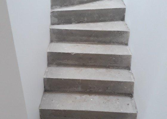 Betonové dekorativní schody-podstupnice