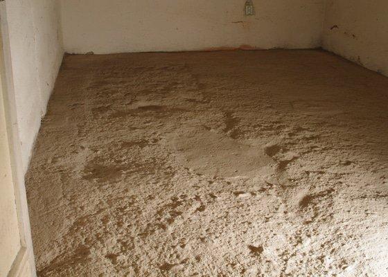 Srovnání betonové podlahy ve sklepě 15m2