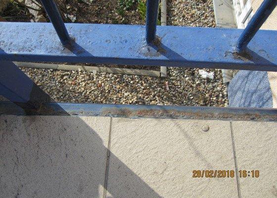 Vstupní schodiště do výškového domu - 3 vchody