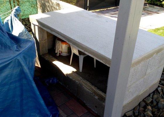 Pokládka kameného koberce  -  obložení bazénu