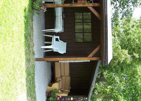 Výměna krytiny na zahradní chatce s verandou