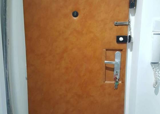 Čalounění vchodových dveří