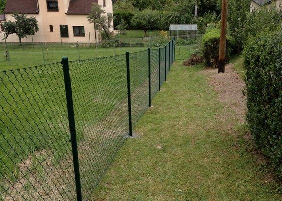 Stavba plotu na klič