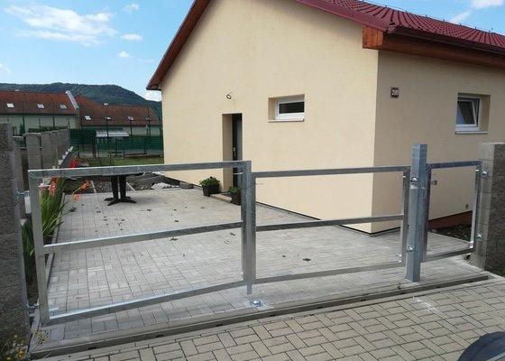 Rámy vjezdové dvoukřídlé brány a vchodové branky
