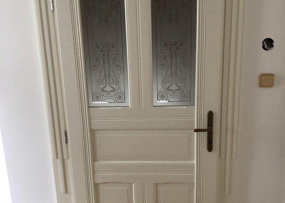 8x kopie prvorepublikových dveří
