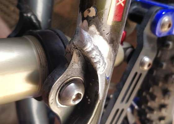 Oprava prasklého sváru rámu kola