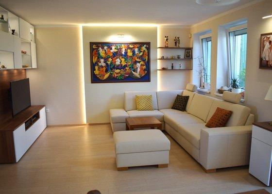 Proměna obývacího pokoje s jídelním koutem