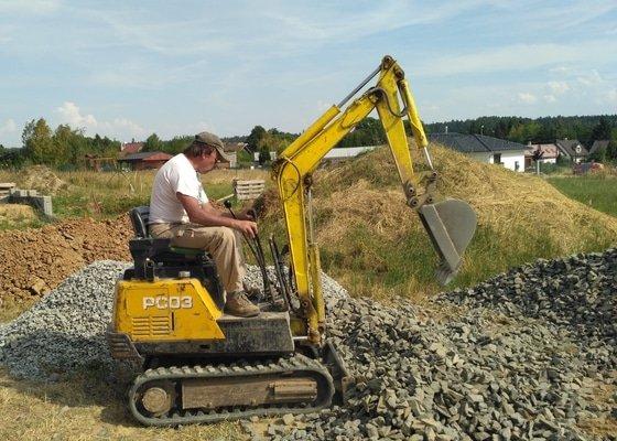 Zemní práce, usazení retenční nádrže