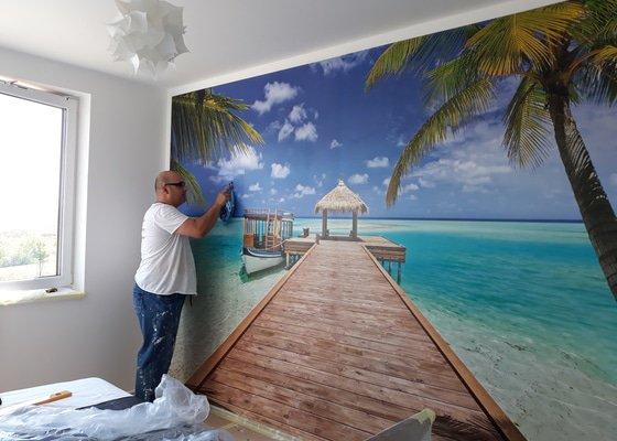 Malířské práce (1 pokoj) a tapetovaní (1 stěna)