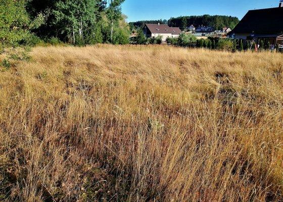 Horní Nemojov - sekání vysoké trávy