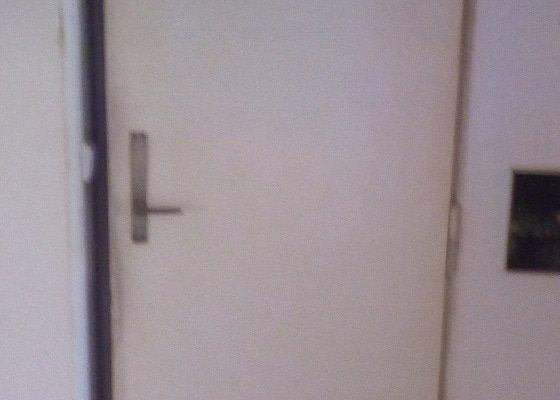 Poptávám lakování dveří a dveřních rámů...