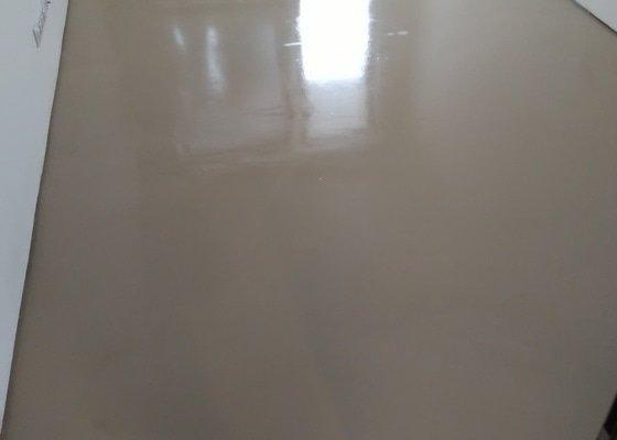 Nivelace podlahy v byte 2 pokoje cca 32m Praha 10