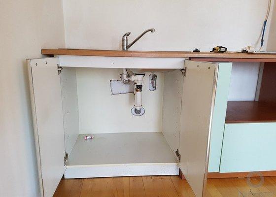 Kuchyňská linka výměna, malování, montáž světel, úklid
