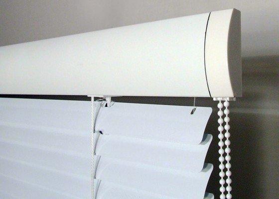 Instalace Interierových horizontálních hliníkových žaluzií (stříbrné)