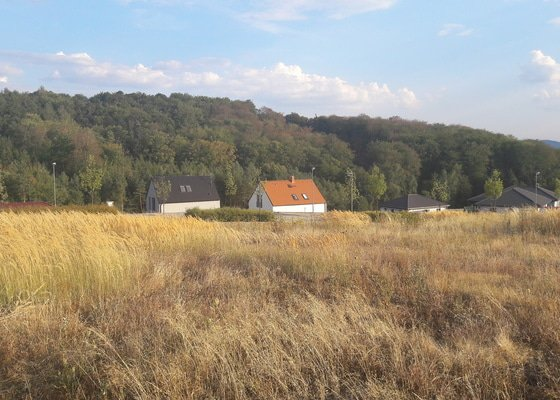 Posekání vysoké trávy a plevele - pozemek Nová Ves pod Pleší 1050m2