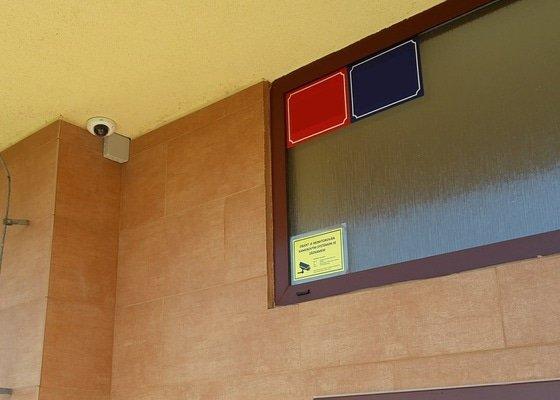 SVJ - Instalace přístupového systému pro otvírání vchodových dveří  a instalace kamerového systému
