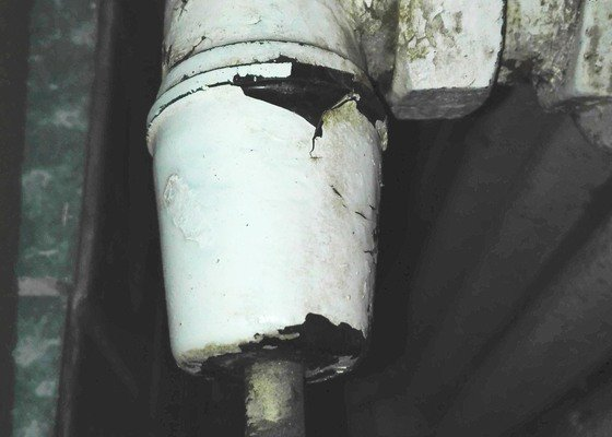 Výměna starých kohoutů u radiátorů