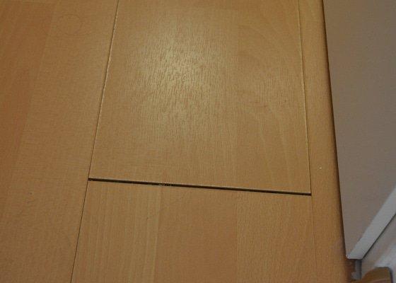 Oprava laminátové plovoucí podlahy