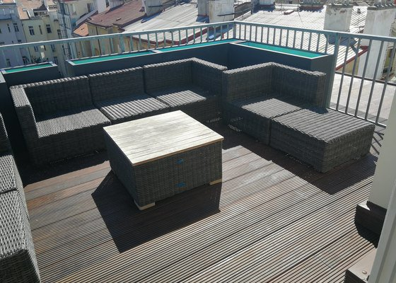 Stavba terasy z tropického dřeva Bankerei