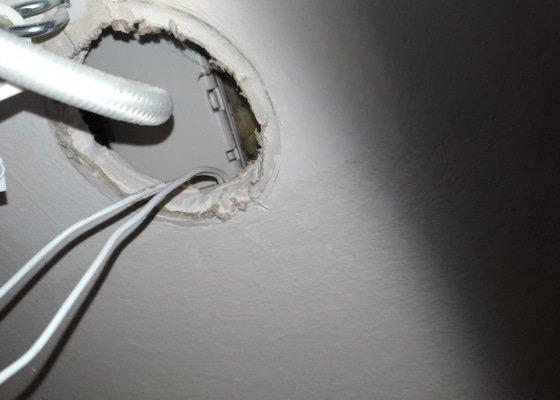 Oprava stropního světla/obvodu