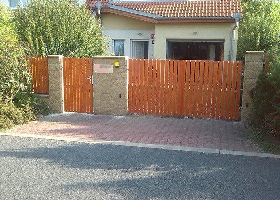 Plotová branka, plotová brána, pojezd