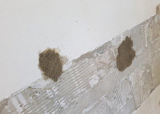 Zadělání děr ve zdi