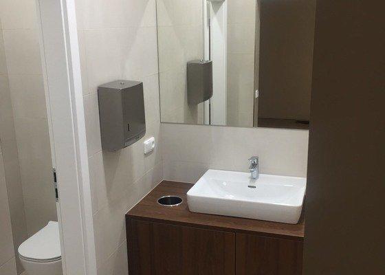 Rekonstrukce toalet na objektu Krakovská 7