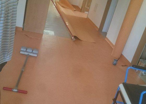 Podlahářské práce/příprava podkladu,pokládka linolea s vytahovaným soklem