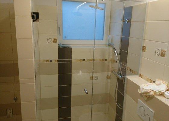 Skleněná stěna do sprchového kouta