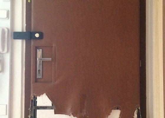 Přečalounění dveří
