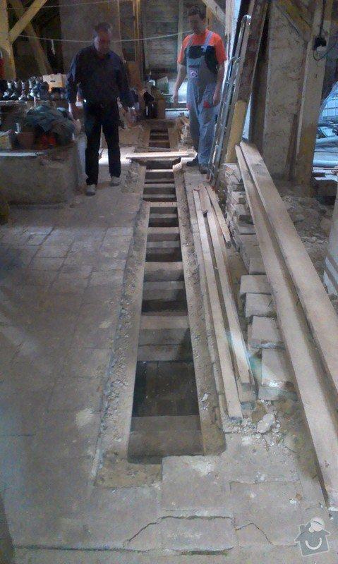 Foukaná izolace stropu pod půdou: IMAG0248
