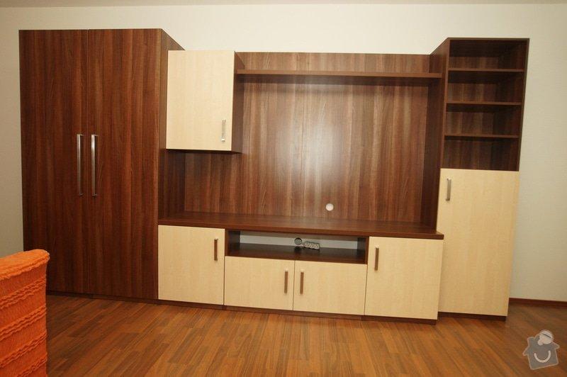 Vestavěná skříň, obyváková stěna, psací stůl s policí: KLENOVSKY_2